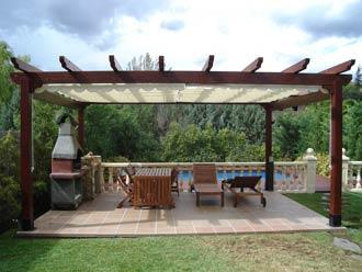 Pergolas de madera y mobiliario de jardin for Mobiliario de jardin de madera